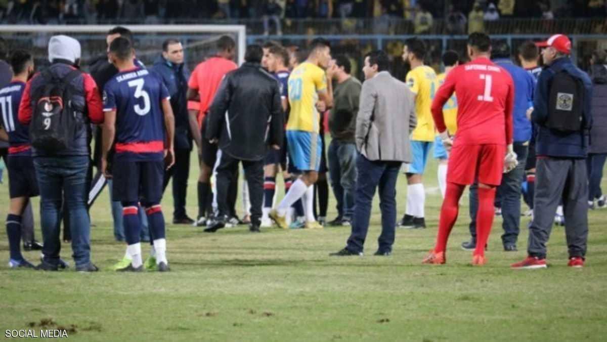 شغب الملاعب يطل من جديد في مصر