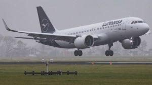 شركة طيران لوفتهانزا تقاضي مسافرا تخلف عن الوجهة الأخيرة للرحلة