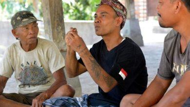 كاتا كولوك، التي تعني حديث الصم باللغة الإندونيسية، هي لغة للإشارة مستقلة بذاتها، أضحت وسيلة التواصل الرئيسية بين 44 شخصا فقط في العالم