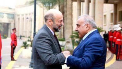 رئيس الوزراء عمر الرزاز ونظيره العراقي عادل عبدالمهدي –(أرشيفية)