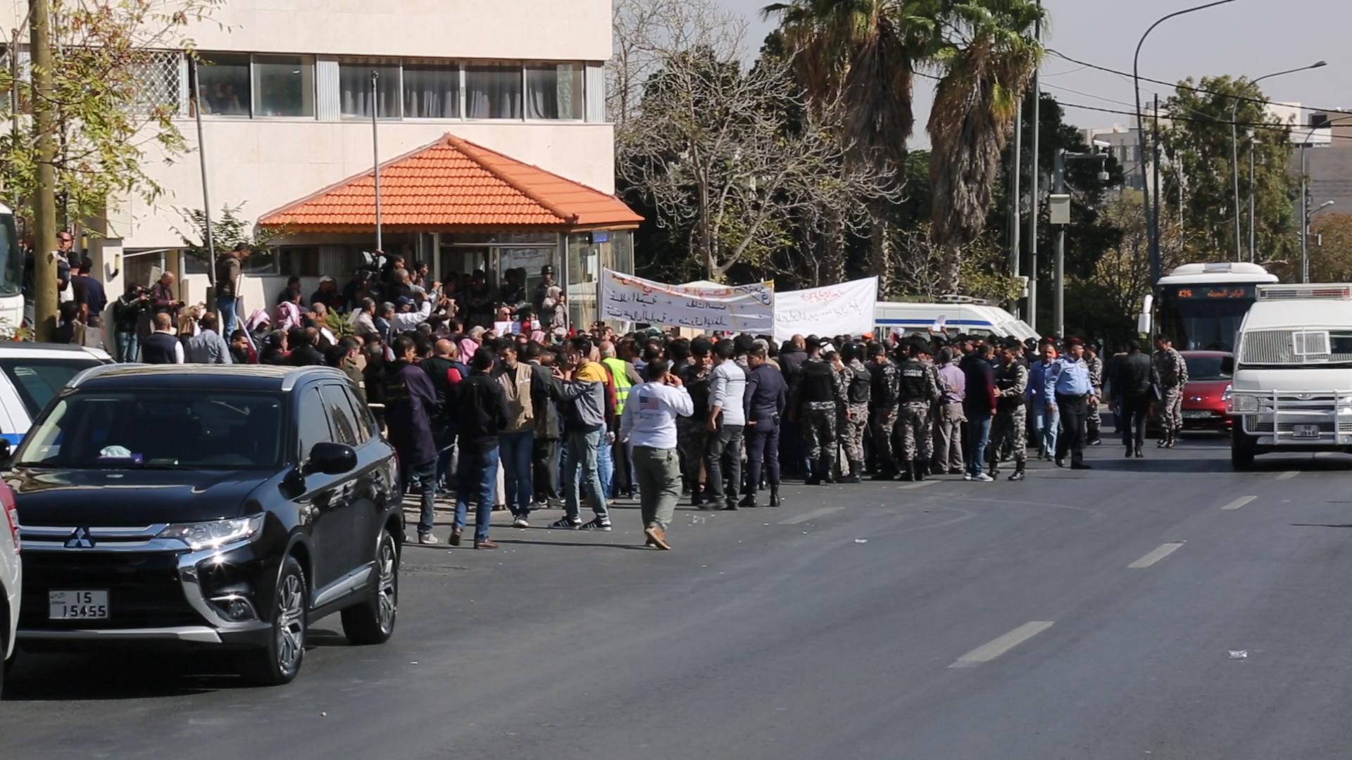 جانب من اعتصام سابق أمام وزارة البلديات- (تصوير: أسامة الرفاعي)