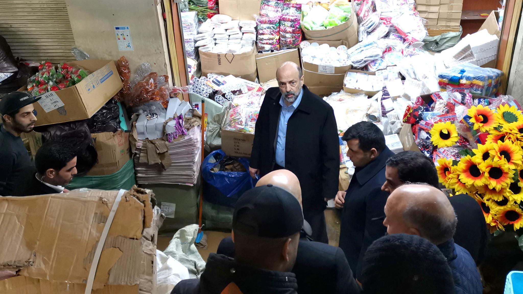 """رئيس الوزراء يتفقّد منطقة """"وسط العاصمة عمّان"""" فور عودته من لندن"""
