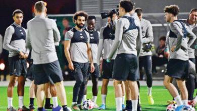 نجوم فريق ليفربول يتدربون في الدوحة أول من أمس - (أ ف ب)