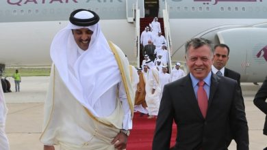 جلالة الملك عبد الله في استقبال الامير القطري