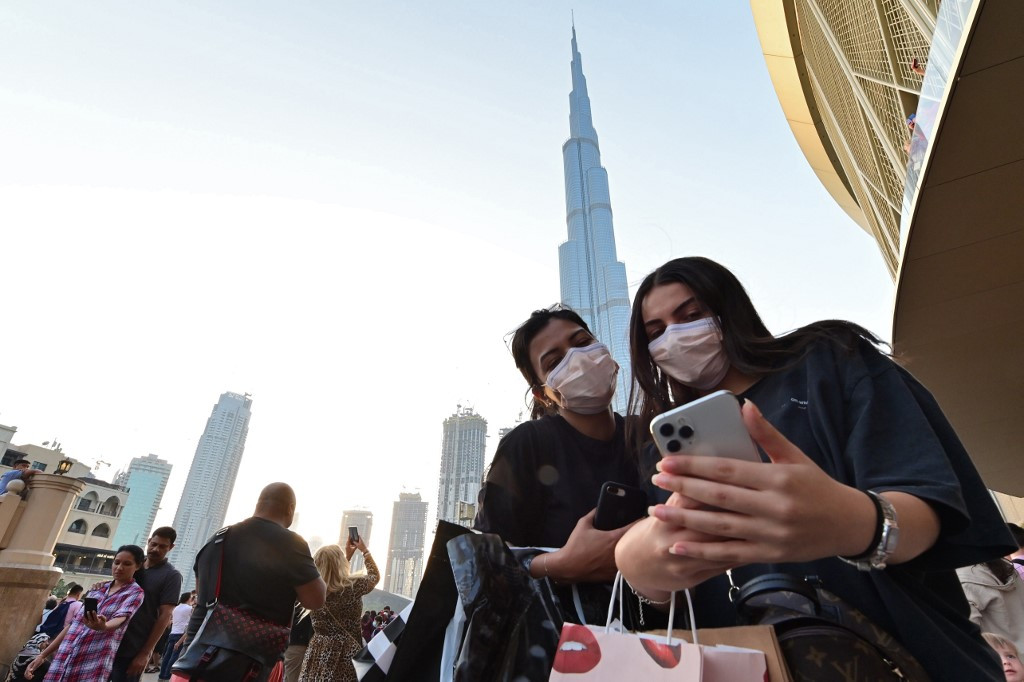كورونا في الإمارات