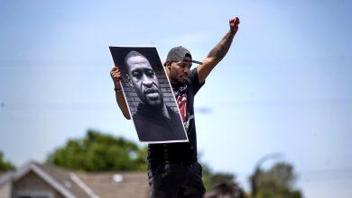 جانب من الاحتجاجات التي خلفها مقتل جورج فلويد على يد الشرطة