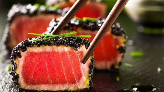 دراسات عديدة تسعى إلى معرفة أنواع الأطعمة التي ينبغي أن نأكلها لتطول أعمارنا