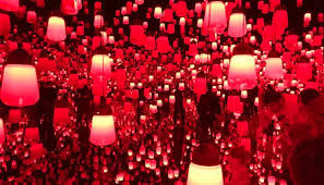 لنظر إلى ضوء أحمر داكن، لدقائق معدودة، يمكن أن يساعد في منع ازدياد ضعف نظرك مع التقدم في السن.
