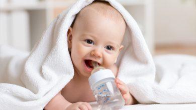 حذر الخبراء من عدم إعطاء الماء للرضع أبدا.