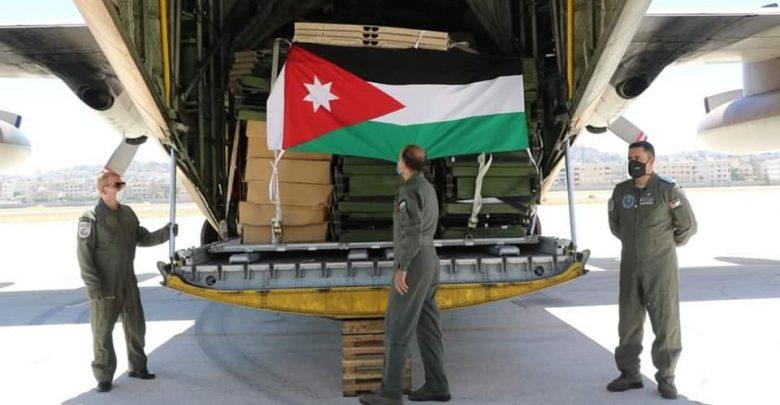 طائرة عسكرية أردنية تحمل المستشفى الميداني لحظة وصولها إلى بيروت - أرشيفية