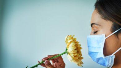 ومن الممكن أن يظهر فقدان الشم والتذوق لدى المرضى الصغار، بدلا من الأعراض الأكثر أهمية مثل السعال والحمى.