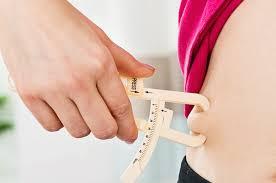 يمكن محاربة الدهون الحشوية من خلال اتخاذ قرارات غذائية صحية